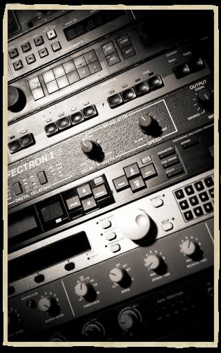 studio-top-left